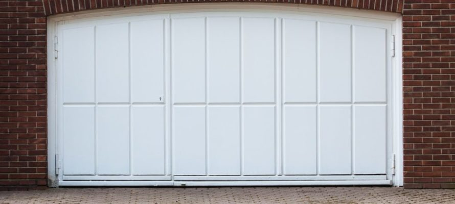 Utah home builder garage door